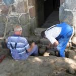 baubegleitende-archeologen-am-urspruenglichen-eingang
